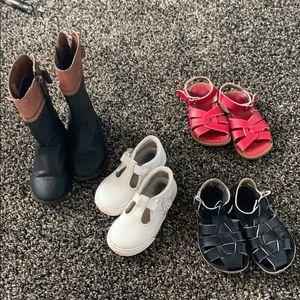 Bundle of shoes 👠